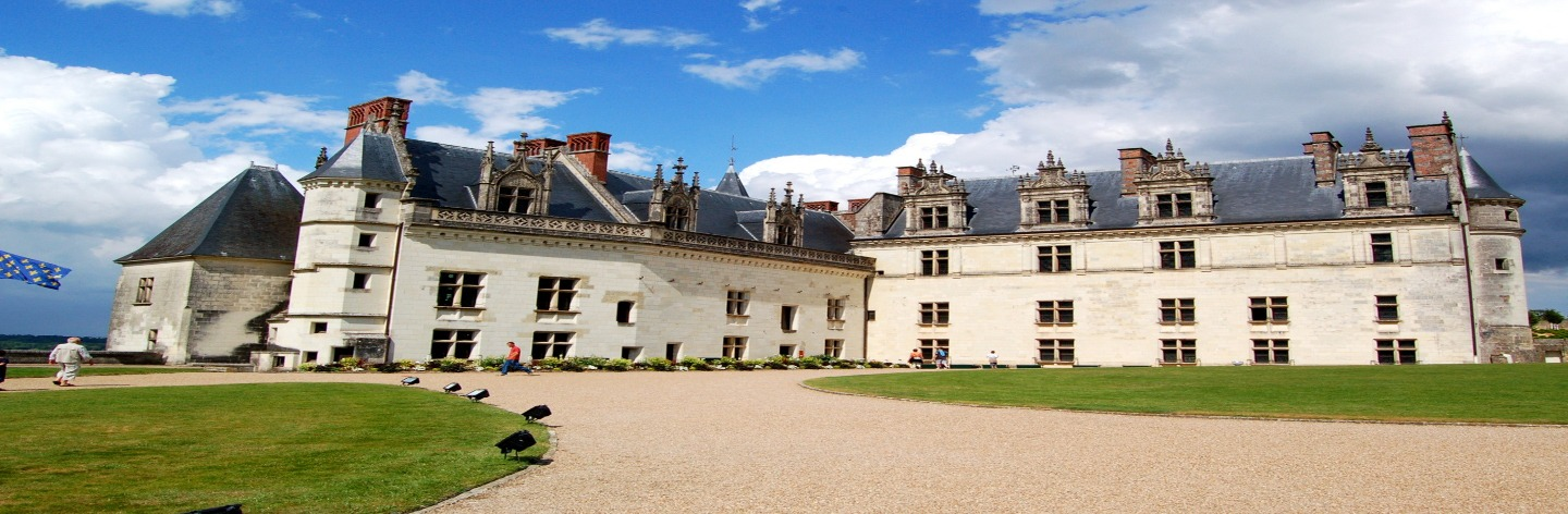 http://An%20Idyllic%20Stay%20In%20The%20Loire%20Valley%20Dreamstime%20Xl%205337179%20Hero