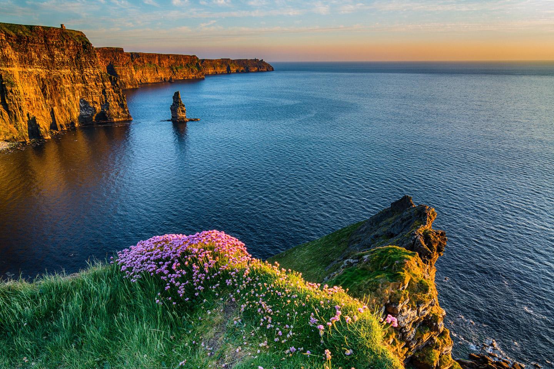 Explore The Cliffs Of Moher From Dublin Shutterstock 513424585